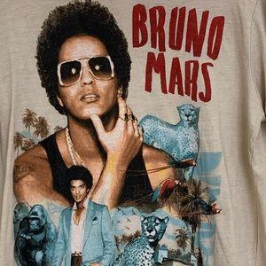 🎶🎵Bruno Mars -The Moonshine Jungle Tour T-Shirt!
